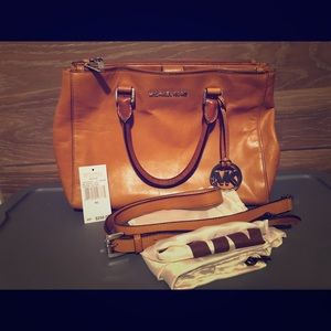Authentic Michael Kors Bedford Tote